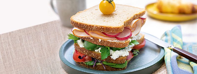 Tower sandwich au cottage cheese